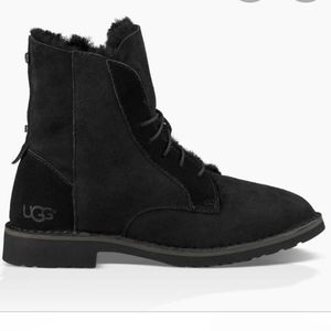 UGG Shoes - Ugg black quincy boots with zipper size 7
